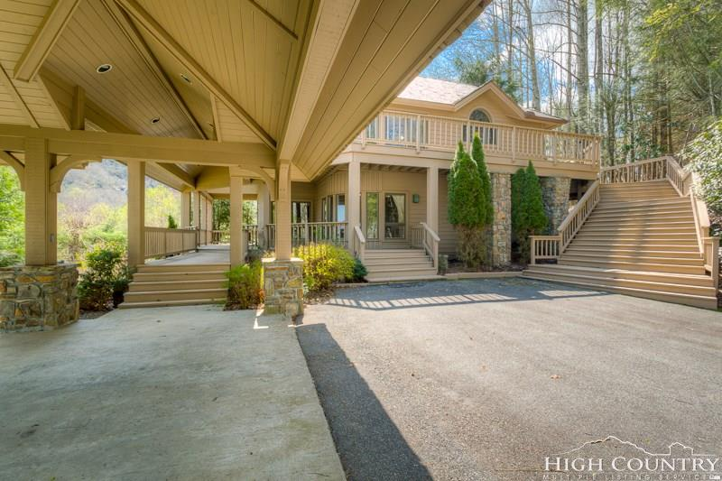 1992 Hickory, Boone, NC 28607