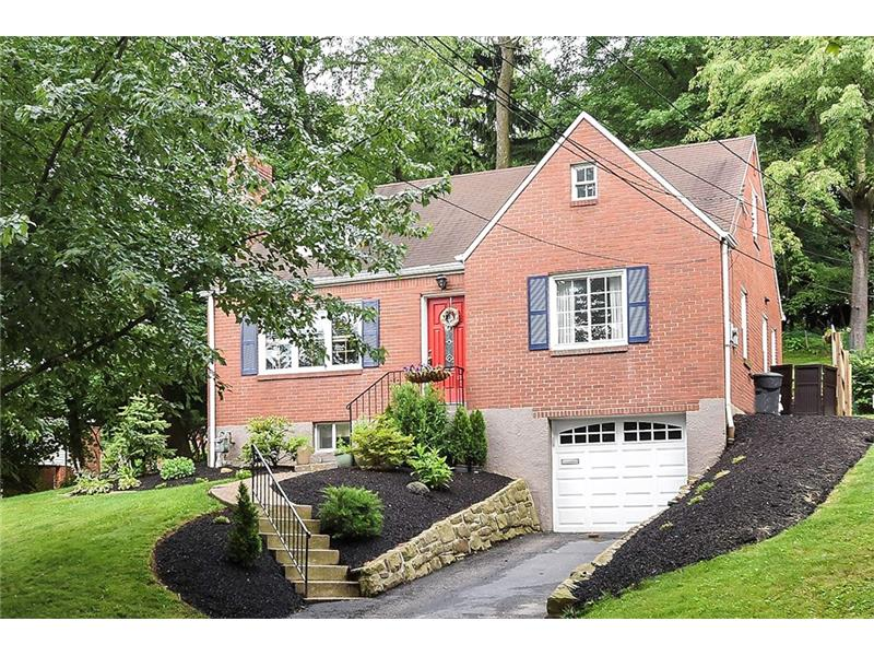 1005 S Greenlawn Dr, Pittsburgh, PA 15216
