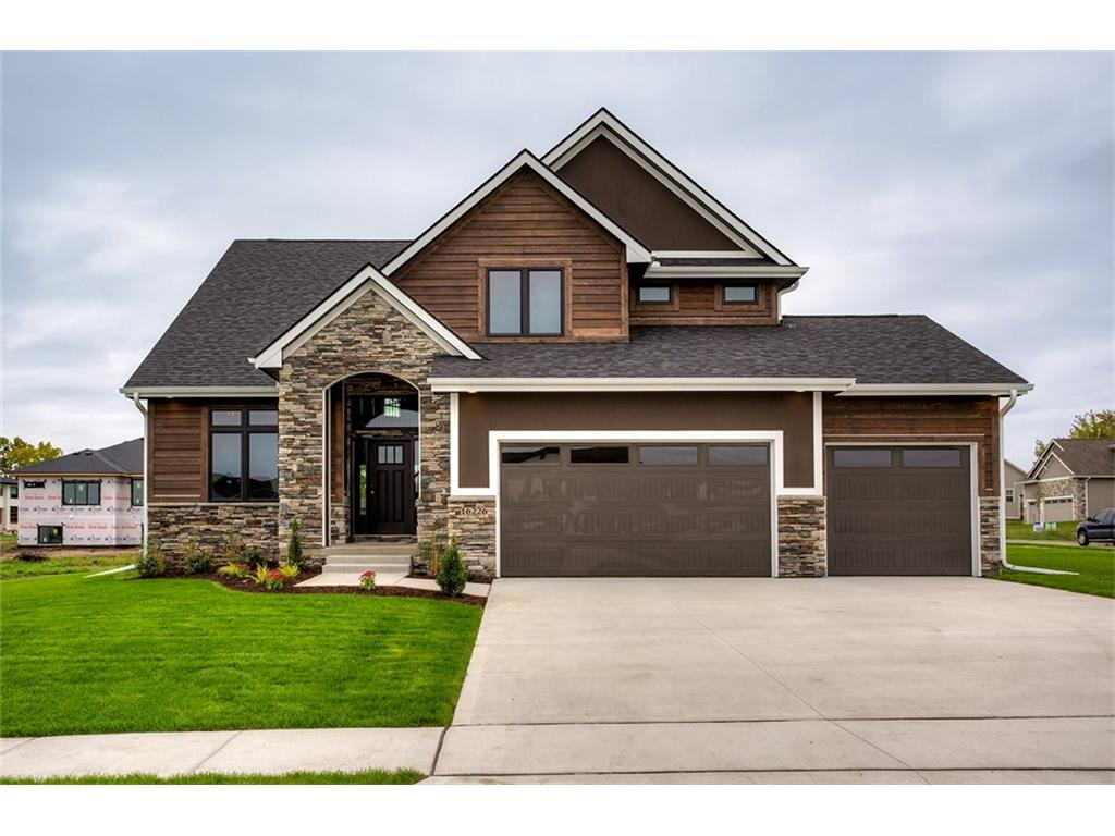 16226 Airline Court, Urbandale, IA 50323
