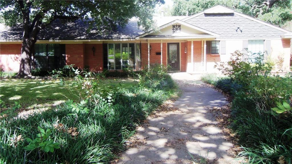 1415 W Western Hills Drive, Sherman, TX 75092