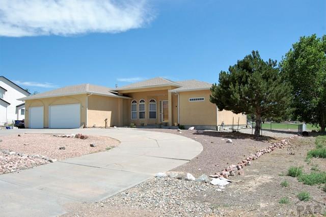 416 W Archer Dr, Pueblo West, CO 81007