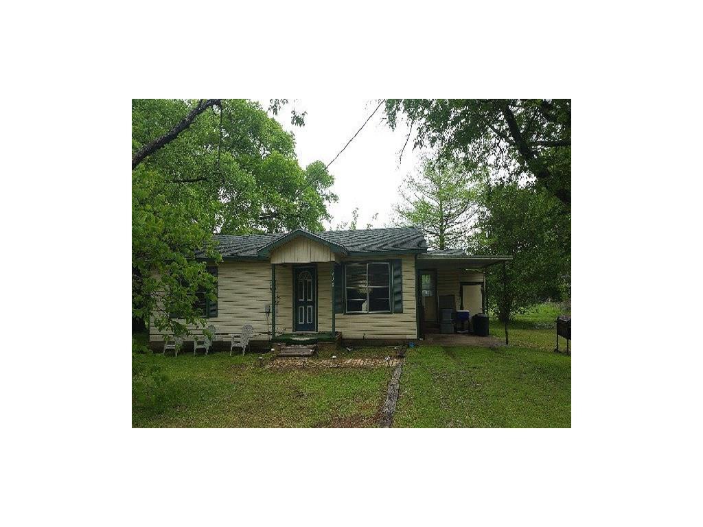 208 Oak Street, Eustace, TX 75124