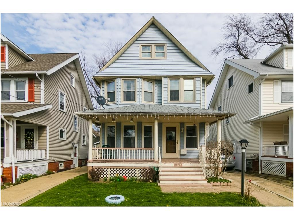 1223 Hall Ave, Lakewood, OH 44107