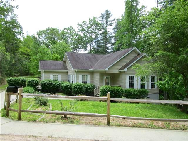 215 Fox Hollow Circle, Otto, NC 28763
