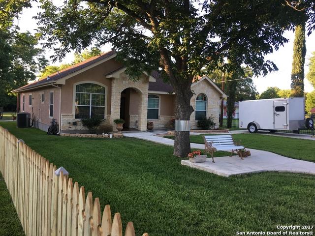 437 Oak Knoll Dr, San Antonio, TX 78228