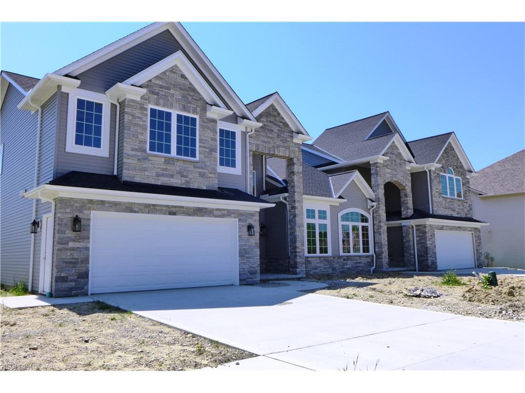 458 Dornoch Ln, Highland Heights, OH 44143