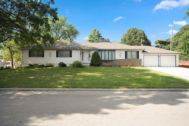 718 W Wabash Terrace, Olathe, KS 66061