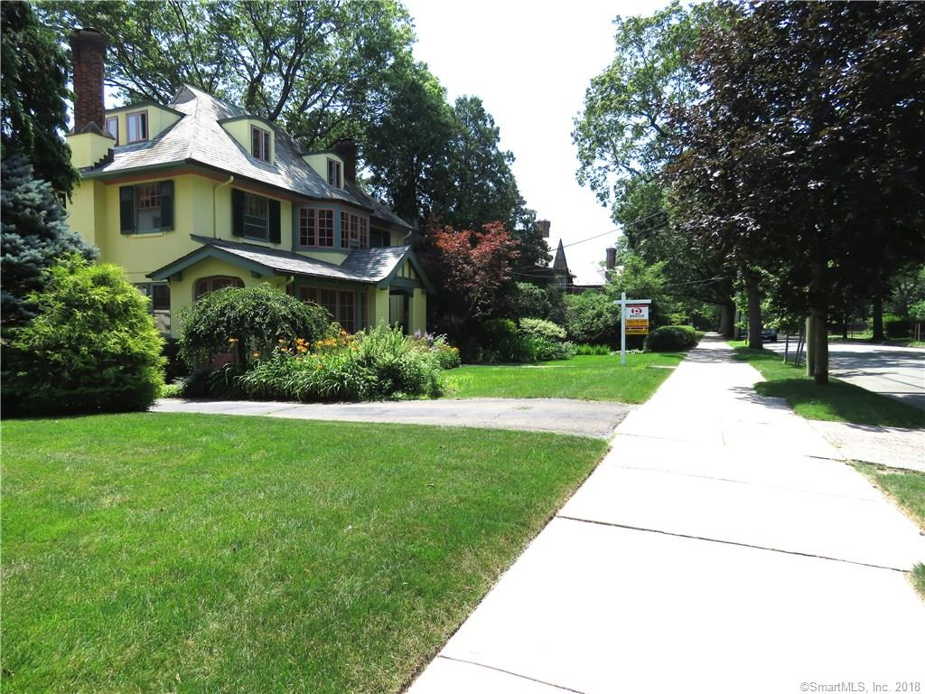 325 Saint Ronan Street, New Haven, CT 06511