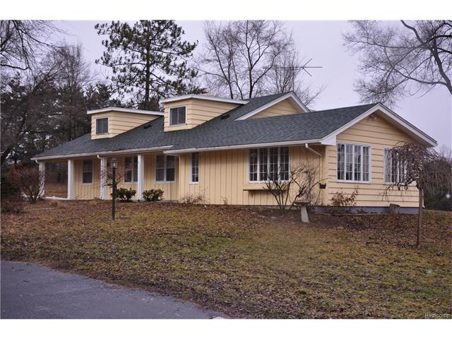 1401 Lake George RD, Oakland Twp, MI 48363