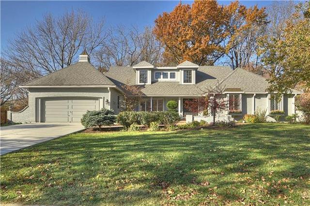 8220 Rosewood Lane, Prairie Village, KS 66208