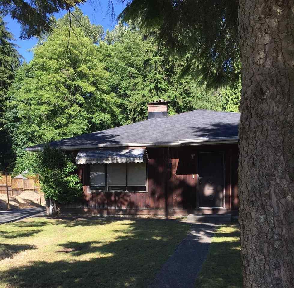 1752 FELL AVENUE, North Vancouver, BC V7P 2K6