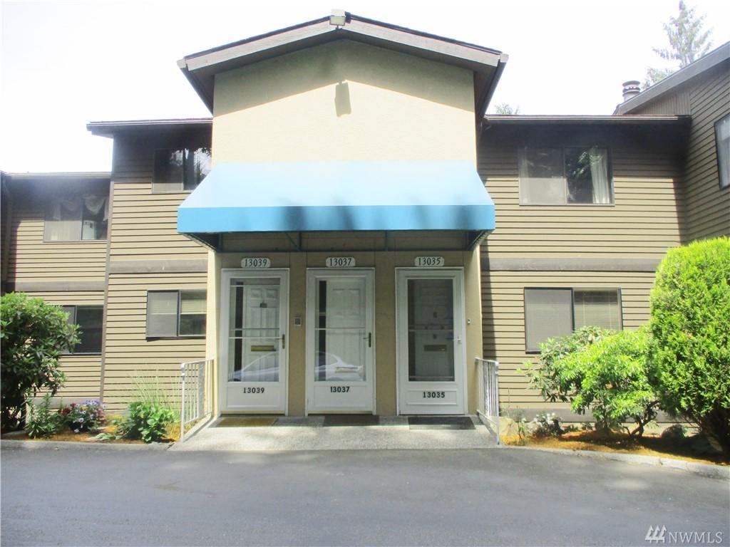 13035 15th Ave NE F5, Seattle, WA 98125
