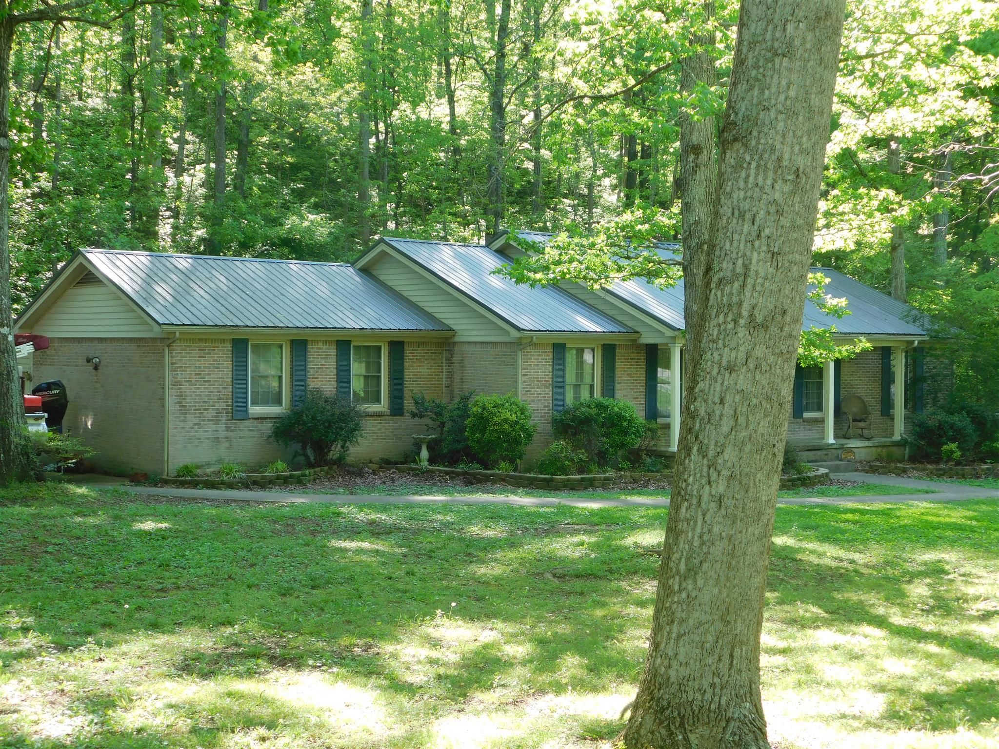 98 Oak Hollow Dr, Waverly, TN 37185