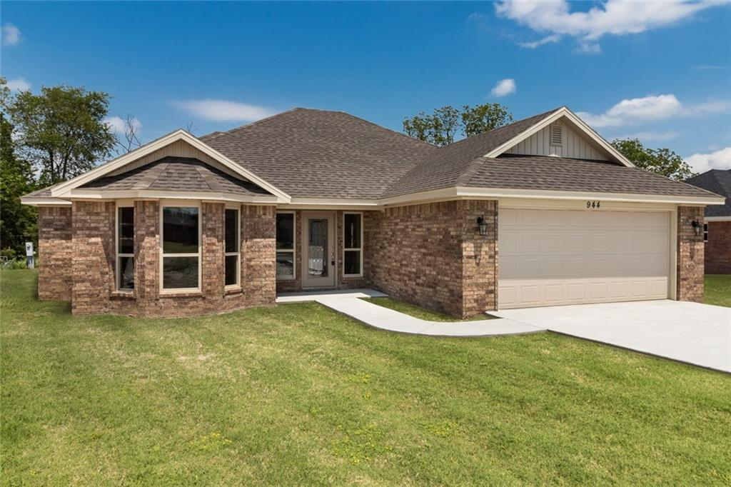 944 White Oak ST, Elkins, AR 72727