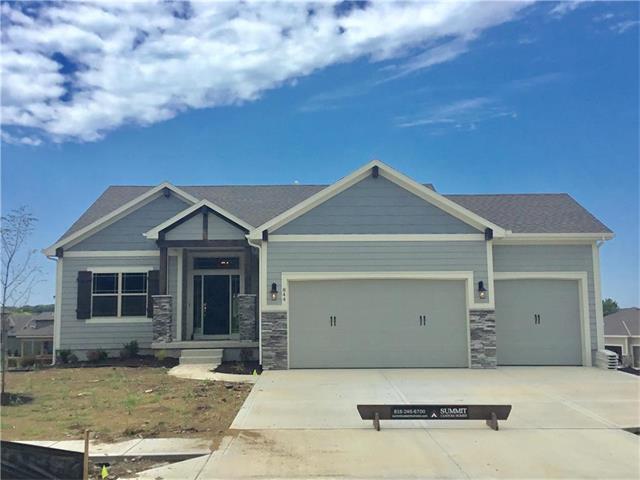 844 Creekmoor Pond Lane, Raymore, MO 64083
