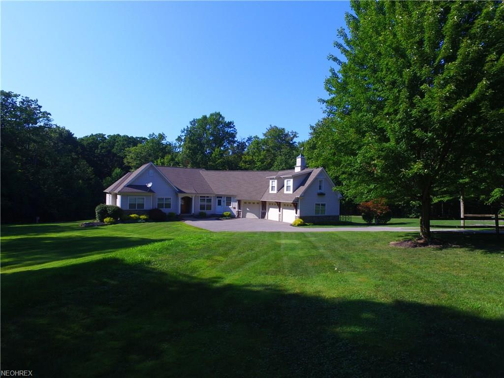9671 Little Mountain Rd, Mentor, OH 44060