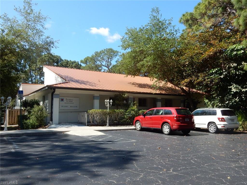 1351 Pine ST, NAPLES, FL 34104