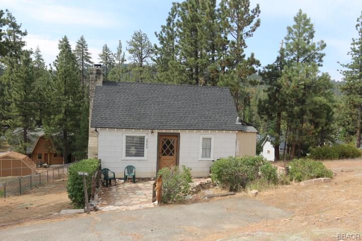 39259 Crest Lane, Big Bear Lake, CA 92315