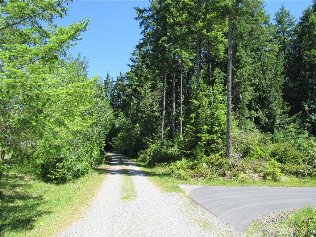 2 NW Clear Creek Rd, Poulsbo, WA 98383