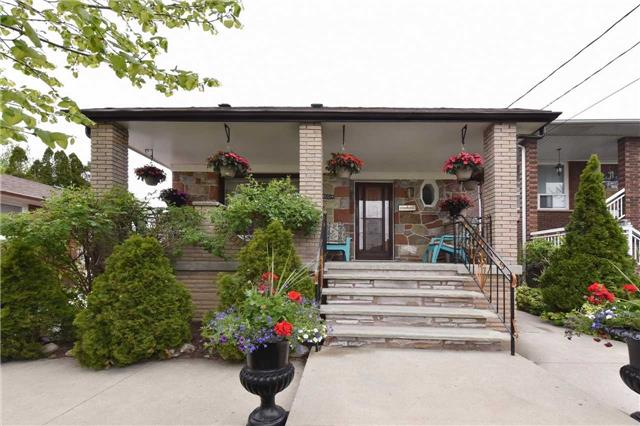1004 Glencairn Ave, Toronto, ON M6B 2A9