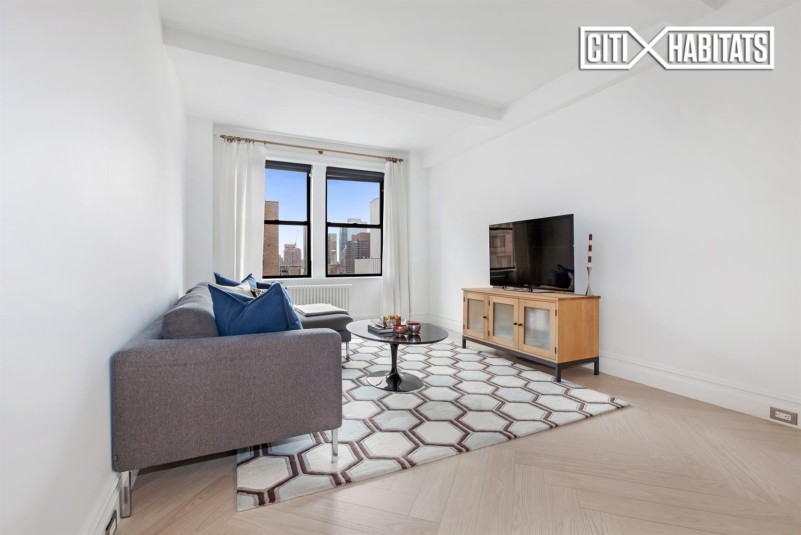 457 W 57th St 1406, New York, NY 10019