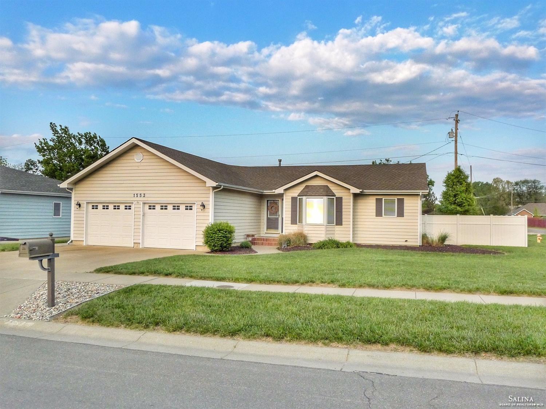 1553 Austin Circle, Salina, KS 67401