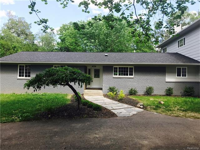 6241 WILLOW Court, West Bloomfield Twp, MI 48324