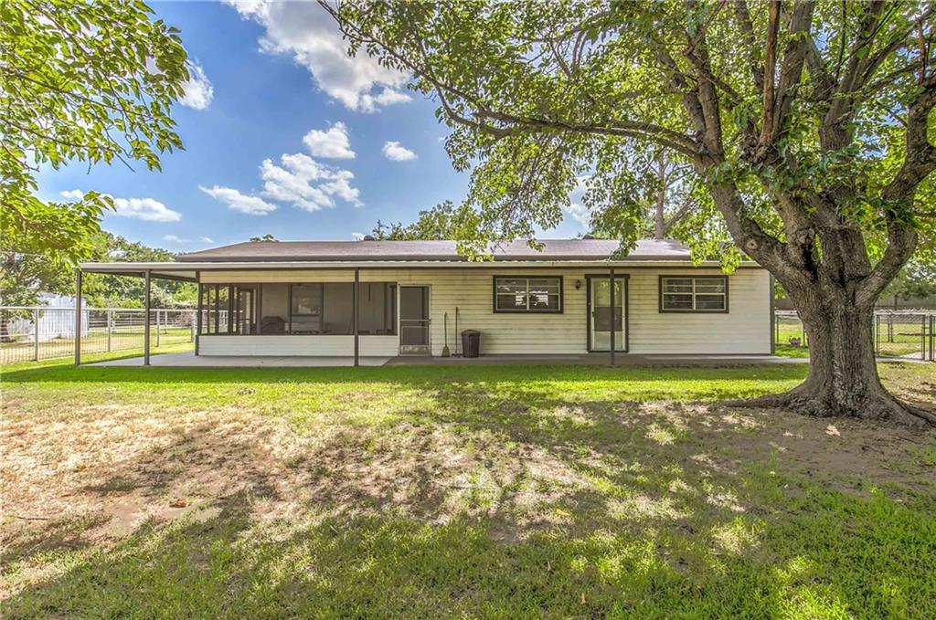 3048 Green Meadows Road, Granbury, TX 76049