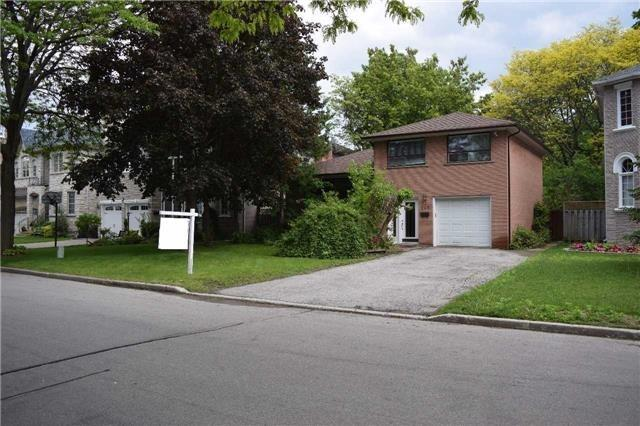 245 Dunview Ave, Toronto, ON M2N 4J3