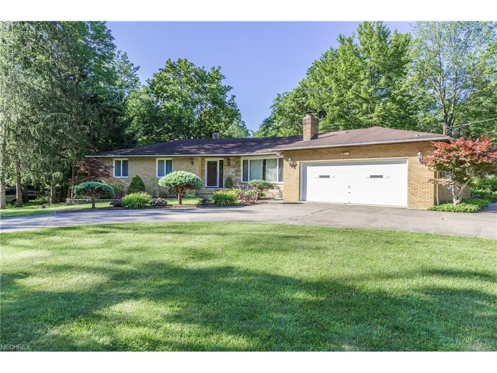 7357 Greenfield Trl, Chesterland, OH 44026