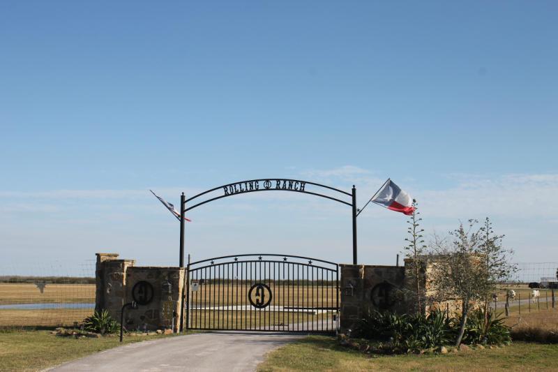 882 County Road 57, Corpus Christi, TX 78347