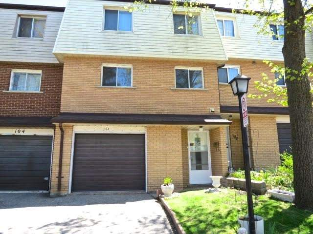 3175 Kirwin Ave 103, Mississauga, ON L5A 3M4