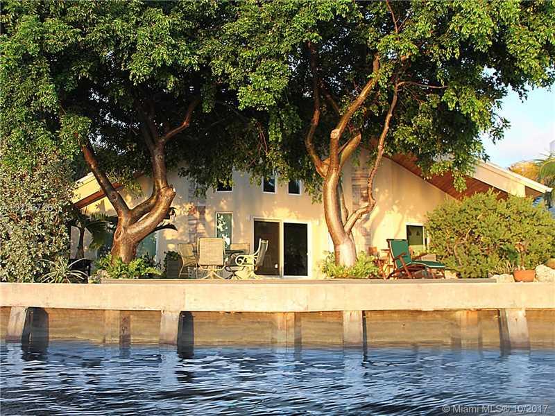 7810 Miami View Dr, North Bay Village, FL 33141