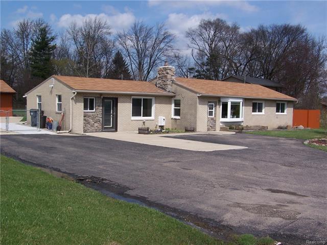 186 W Wattles Road, Troy, MI 48098