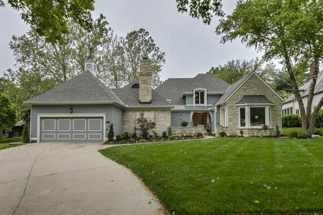 8162 Delmar Street, Prairie Village, KS 66208
