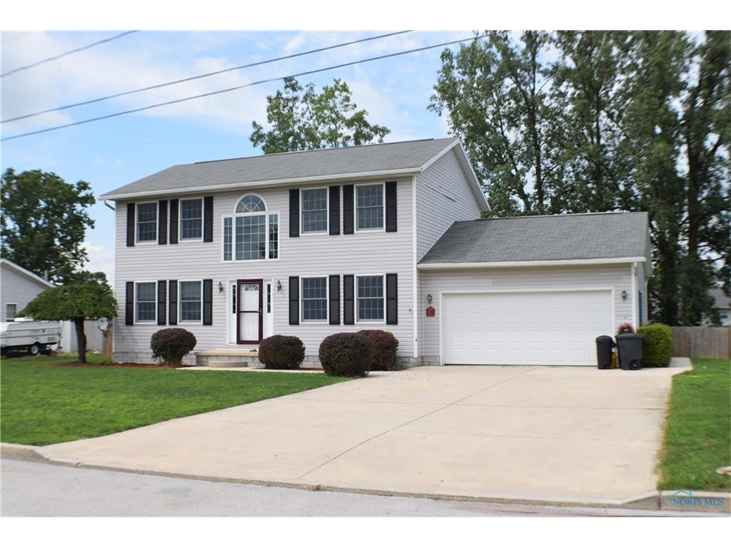 402 Brookside Drive, Woodville, OH 43469