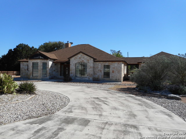 152 Creekwood, Bandera, TX 78003