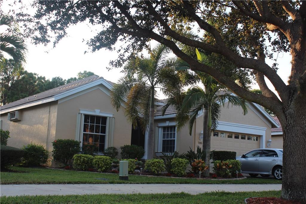 705 SW Lake Charles Circle, Port Saint Lucie, FL 34986