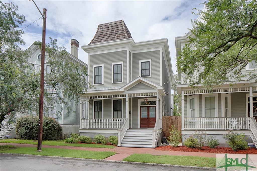 212 W Waldburg Street, Savannah, GA 31401