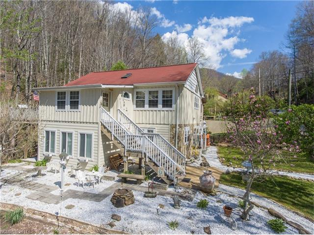 263 Riddle Cove Road, Maggie Valley, NC 28751