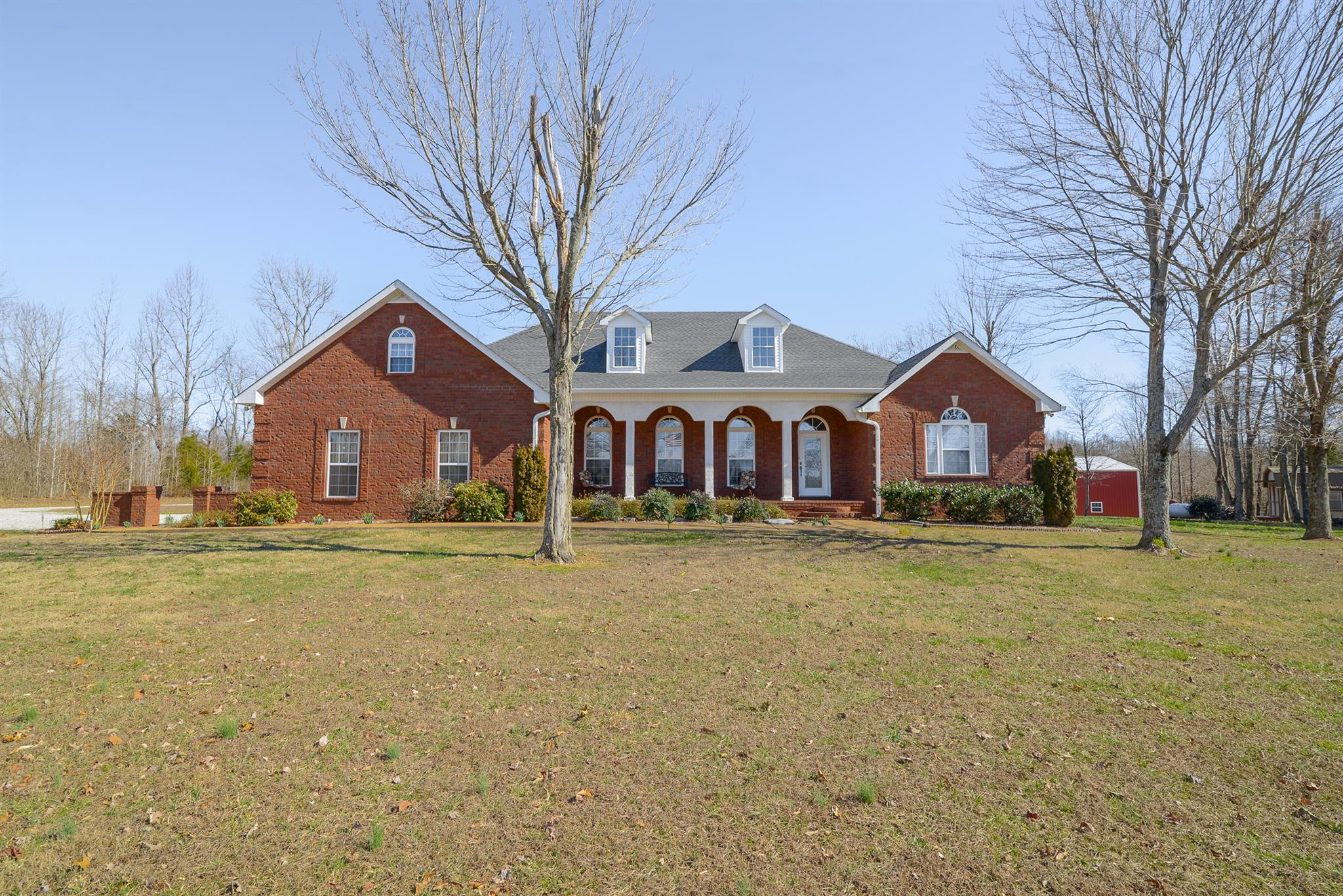 1292 Smiley Troutt Rd, Bethpage, TN 37022