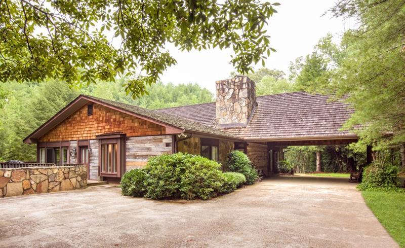 160 Red Oak Lane, Clarkesville, GA 30523