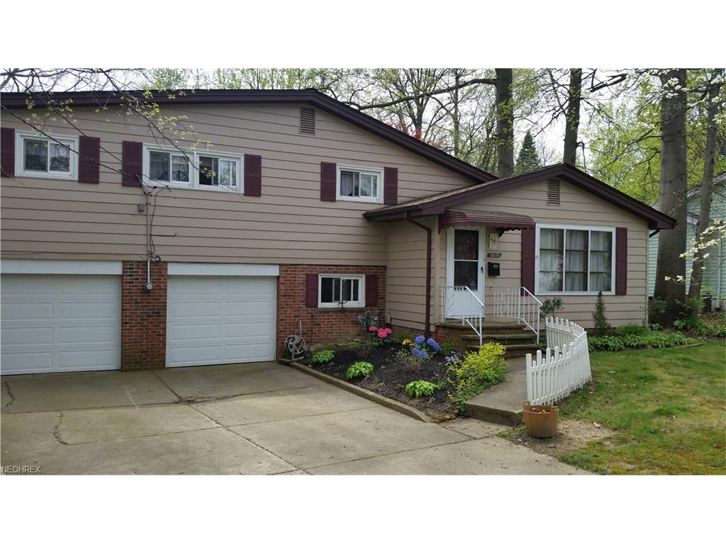 39176 Gardenside Dr, Willoughby, OH 44094