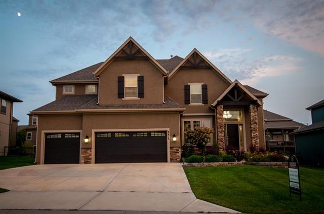 9415 W 163rd Terrace, Overland Park, KS 66085