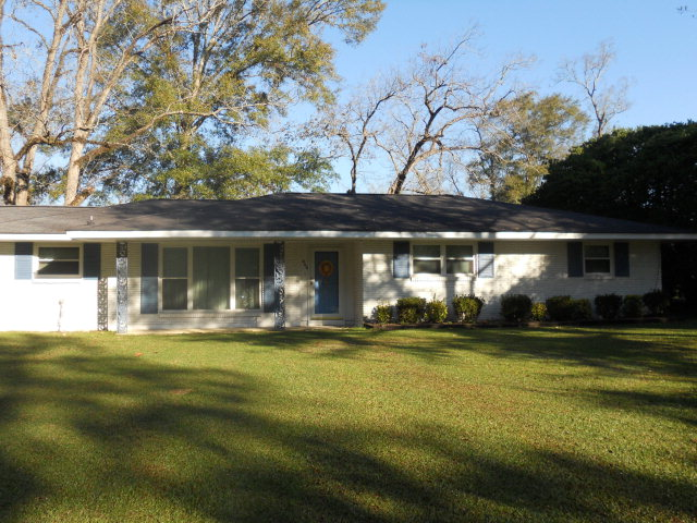860 W Cherokee, Centreville, MS 39631