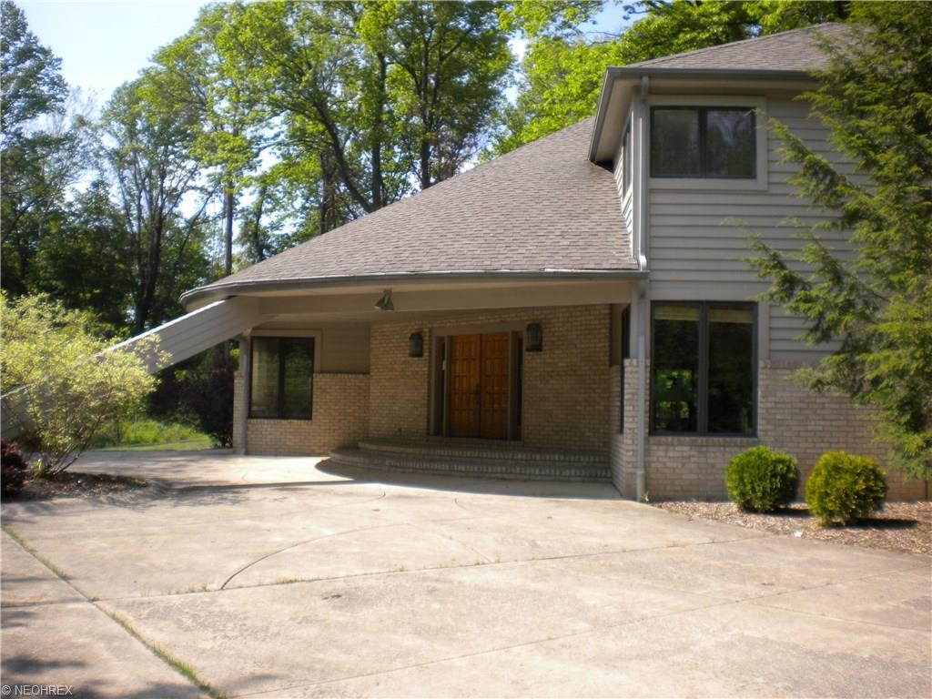 8815 Pheasant Run Ln, Kirtland Hills, OH 44060