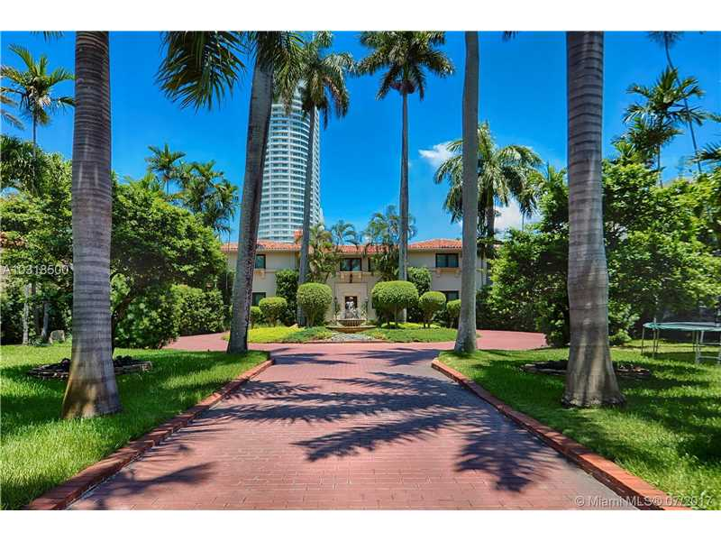 4403 Pine Tree Dr, Miami Beach, FL 33140