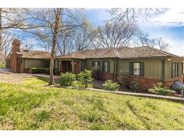 45 Chesterfield Lakes Road, Chesterfield, MO 63005