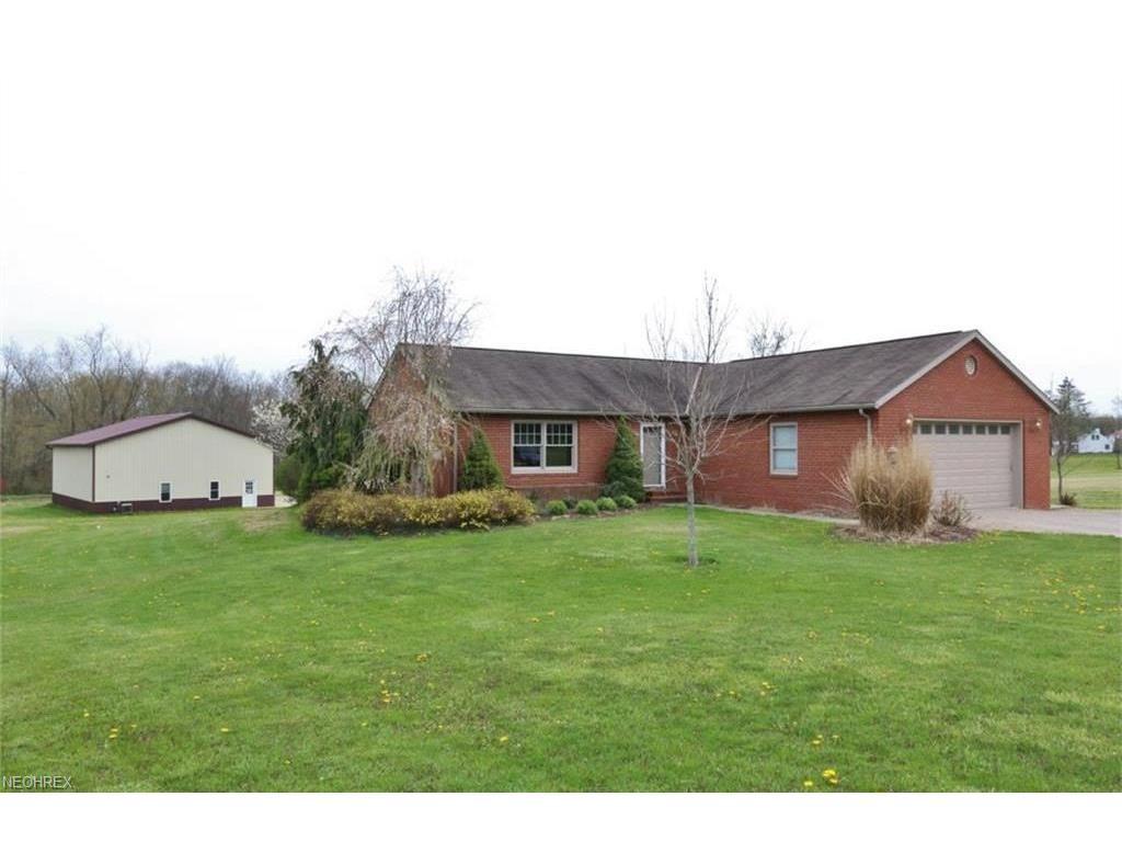 3328 Adamsville Rd, Zanesville, OH 43701