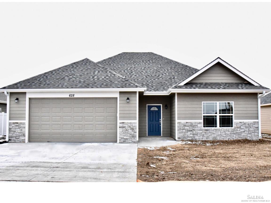 628 Prairie Lane, Salina, KS 67401
